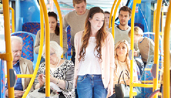 Fahrgäste in einem Linienbus. © Monkey Business, Fotolia.com