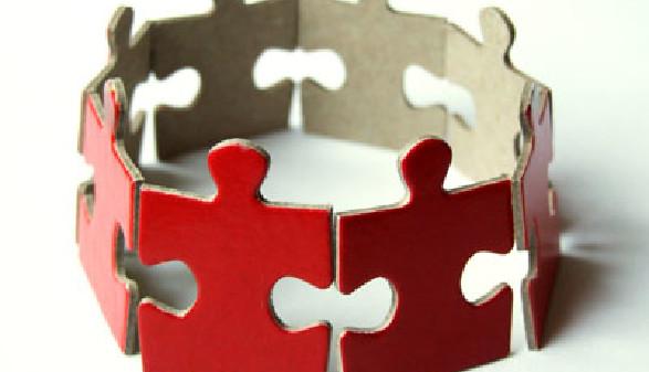 Puzzleteilchen im Kreis © Wojciech Gajda, fotolia.com