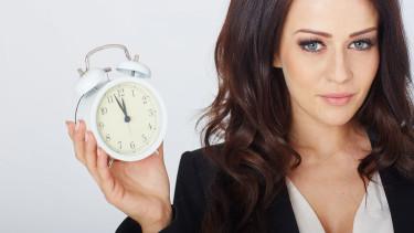 Notieren Sie sich Ihre geleisteten Arbeitsstunden - Verwenden Sie dafür den AK-Arbeitszeitkalender © Peter Atkins, Fotolia.com