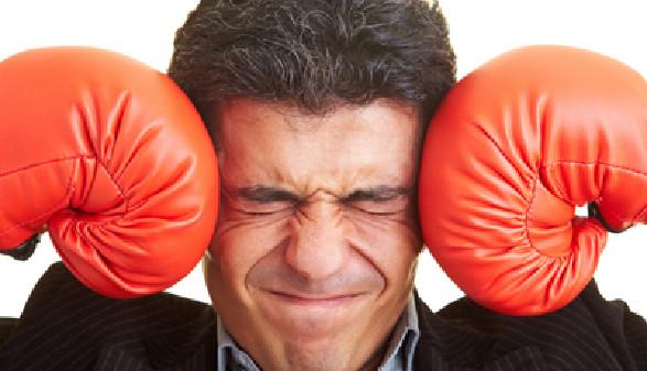 Ein großes Problem für Mitarbeiter - Gewalt im Job © Robert Kneschke, Fotolia